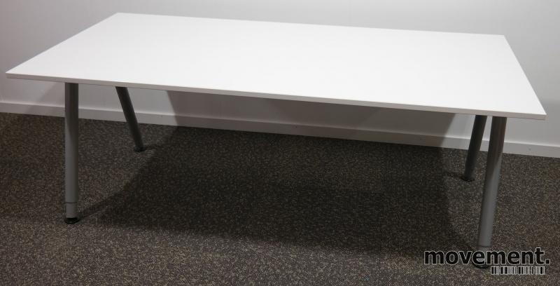 Ikea Galant Skrivebord I Hvitt160x80cm A Ben I Grått Pent Brukt