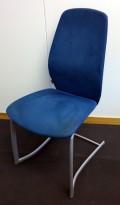Møteromsstol/besøksstol fra Kinnarps, mod Plus 376 i blått mikrofiberstoff, brukt