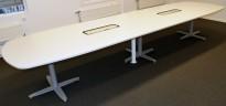 Kinnarps T-serie konferansebord / møtebord i hvitt / grått understell, 440x120cm passer 14-16 personer, pent brukt