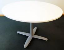 Rundt møtebord med hvit bordplate fra Kinnarps T-serie, Ø=110cm, H=72cm, grått understell, pent brukt