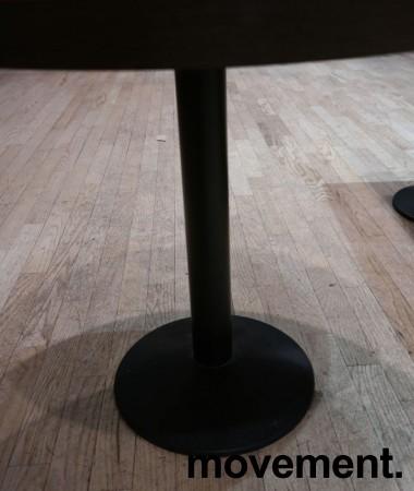 Kafebord fra Pedrali med plate i brunt, understell i sortlakkert metall, Ø=80cm H=72cm, pent brukt bilde 2