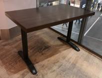 Kafebord med bordplate i brunt / understell i sortlakkert metall, 120x70cm bordplate, 75cm høyde, pent brukt