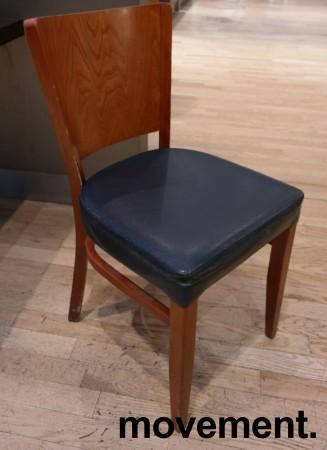 Kaféstol / restaurantstol fra Satelliet i kirsebær, sete i blå skinnimitasjon, brukt bilde 1