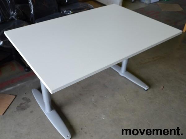 Kinnarps T-serie skrivebord i hvitt, 120x80cm, NY / UBRUKT plate pent brukt bilde 2