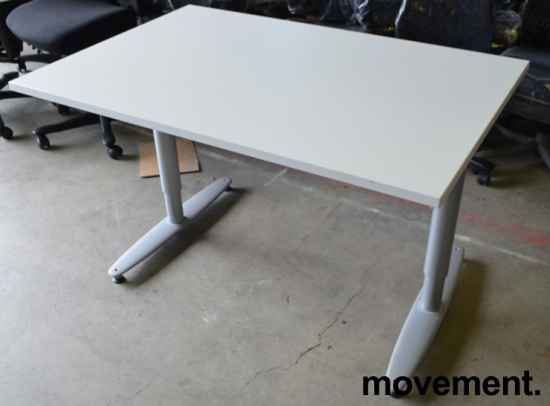 Kinnarps T-serie skrivebord i hvitt, 120x80cm, NY / UBRUKT plate pent brukt bilde 1