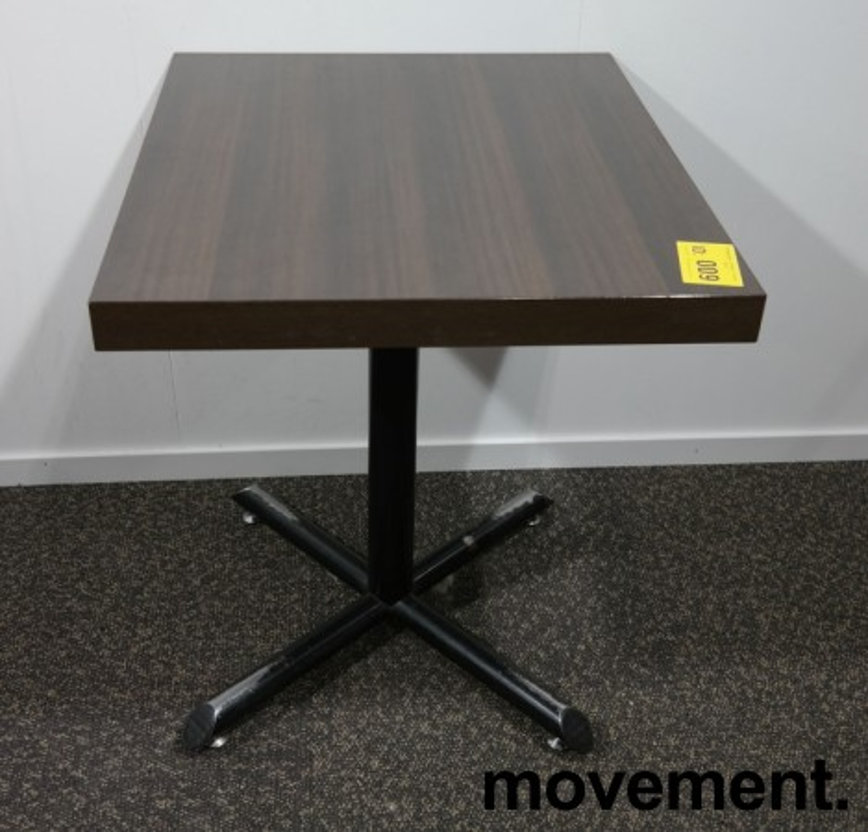 Kafebord med plate i brunt, understell i sortlakkert metall, 60x70cm, H=73cm, pent brukt