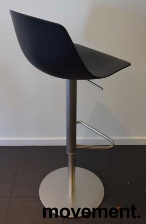 Lekker barkrakk / barstol, LaPalma Miunn S104T i sort finer / satinert stål, gasslift, pent brukt bilde 2