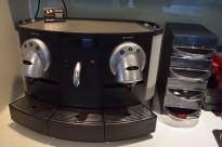 Kaffemaskin for kontor etc. Nespresso Gemini CS200 pro med fast vanntilkobling, pent brukt