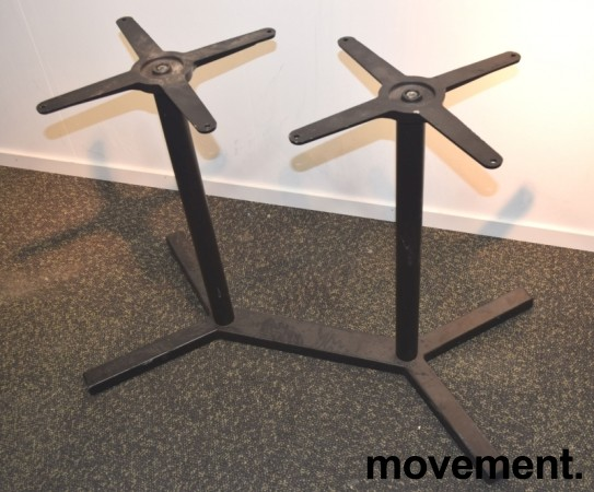 Understell / bordben i sortlakkert stål fra Pedrali, høyde 73cm, pent brukt bilde 2