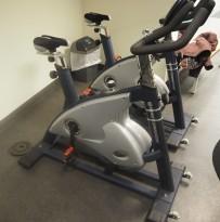 Treningssykkel: Sportsmaster Studio S500, pent brukt