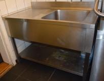 Arbeidsbenk / oppvaskbenk i rustfritt stål, 120cm bredde, 70cm dybde, kum høyre side, pent brukt