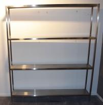 Hylle, frittstående, i rustfritt stål, 4 hylleplan, 170cm bredde, 30cm dybde, 200,5cm høyde, pent brukt