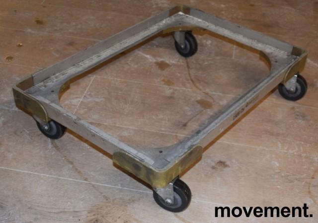 Brett-tralle på 4 hjul 43 cm x 63 cm,, for 40x60 max kassemål, pent brukt bilde 1