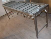 Stor rullebane / benk i rustfritt stål for oppvask, 210cm bredde, pent brukt 2015-modell