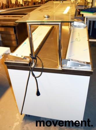 Serveringsdisk for kantine i hvitt komplett med disk og brettbaner i rustfritt, topphylle i glass, 130cm bredde, pent brukt 2015-modell bilde 3