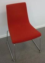 ForaForm Clint konferansestol i rødt stoff, meier/understell i krom, pent brukt
