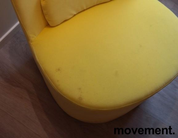Loungestol i gul velour fra IKEAs Stockholm-serie med sving, pent brukt bilde 4