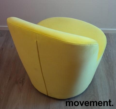 Loungestol i gul velour fra IKEAs Stockholm-serie med sving, pent brukt bilde 3