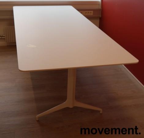 Møtebord i hvitt fra Foraform, modell Kvart, 240x100cm, pent brukt bilde 1