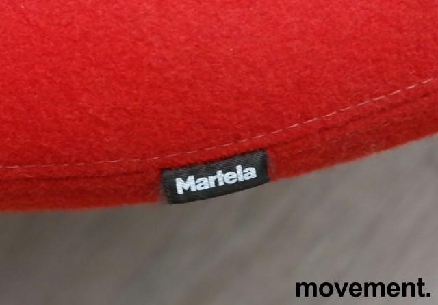 Lounge / sofa i rødt stoff fra Martela, modell: U-Turn, bredde 200cm, pent brukt bilde 3