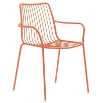 Kafestol / stol for uteservering i orangelakkert metall med pute fra Pedrali, modell Nolita med armlene, pent brukt