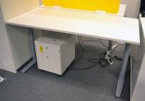 Skrivebord med elektrisk hevsenk fra Edsbyn, 160x80cm, NY PLATE / pent brukt