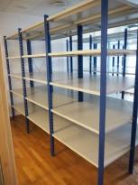 Lagerreol / stålreol i lys grå / blå, høyde: 205cm, 300cm bredde, 3 fag, 60cm dybde, pent brukt