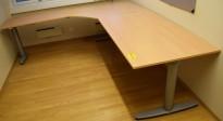 Kinnarps elektrisk hevsenk hjørneløsning skrivebord i bøk, 220x240cm, T-serie, pent brukt