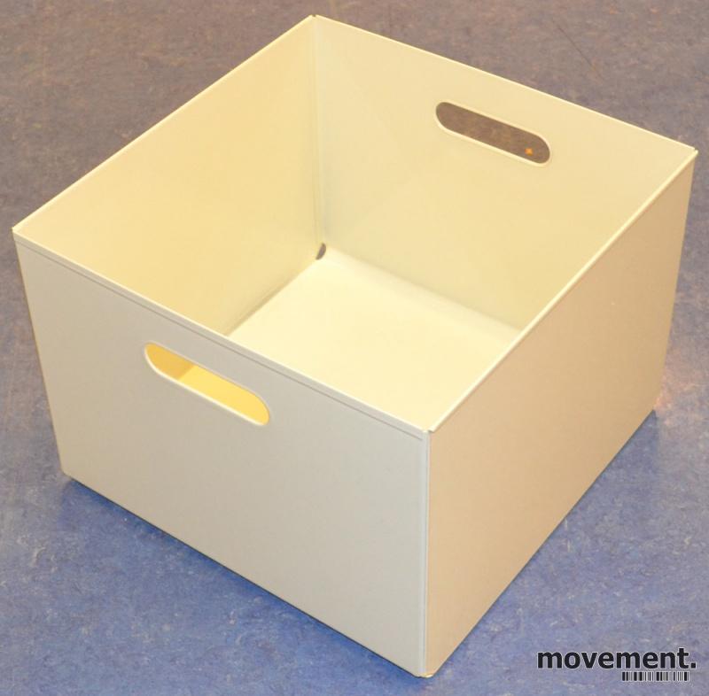 Forskjellige Kinnarps kasser i hvitlakkert metall forhengemapper, ypperlig til ES-07