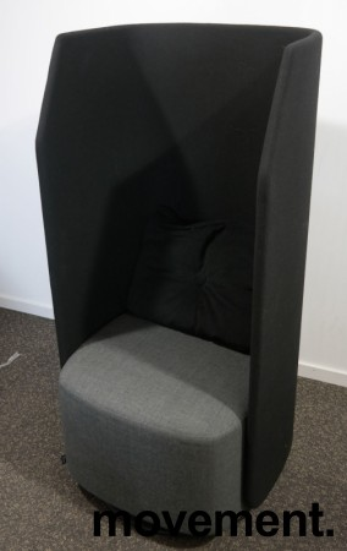 Lekker 1-seter alkovesofa / lenestol med høy rygg fra Kinnarps, modell Fields, sort / grått stoff, pent brukt bilde 2