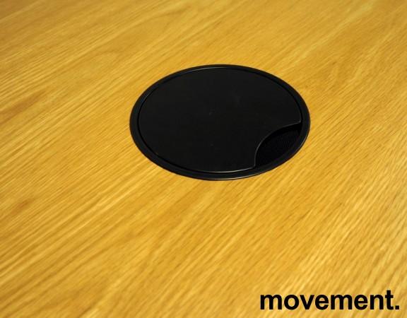 Møtebord / konferansebord i eik / sorte ben fra Materia, modell AVA, 300x110cm, passer 10-12personer, pent brukt bilde 3