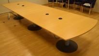 Møtebord i bøk fra Kinnarps, 420x120cm, passer 14-16 personer, pent brukt