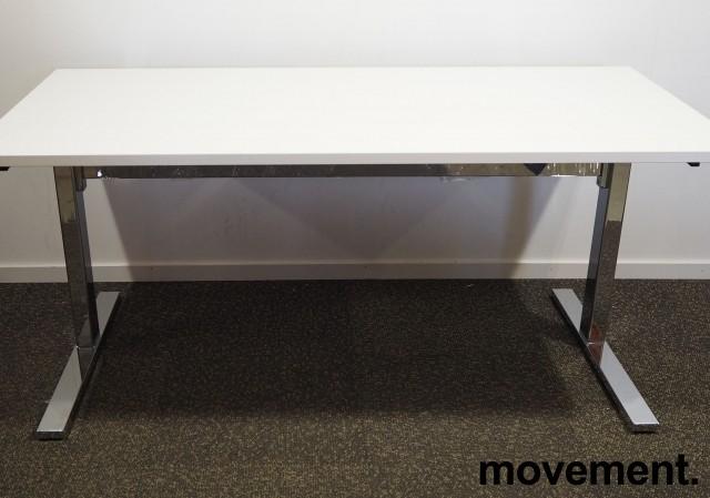 Skrivebord med elektrisk hevsenk i hvitt / krom fra Ragnars, 160x80cm, pent brukt understell med ny plate bilde 1