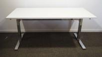 Skrivebord med elektrisk hevsenk i hvitt / krom fra Ragnars, 160x80cm, pent brukt understell med ny plate