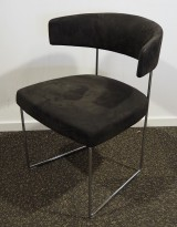 Konferansestol i sort mikrofiberstoff fra Andreu World, modell Tauro, pent brukt