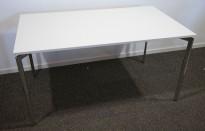 Lammhult Campus 140x80cm skrivebord i hvitt/krom, pent brukt