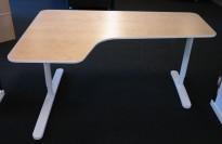 IKEA Bekant hjørnebord i bjerk / hvitt, 160x110cm, vesntreløsning, pent brukt
