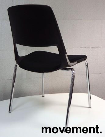 Stablebar konferansestol i sort, ben i krom, sete trukket i sort stoff, modell V206D11, NY/UBRUKT bilde 2