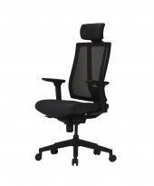 Komfortabel kontorstol i sort fra Dawon, Korea, G1, høy lift, høy rygg, armlener, nakkepute i PU, NY/UBRUKT