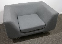 1-seter loungestol / lenestol i grått stoff fra Modus, modell: Bernard, design: Simon Pengelly, bredde 19cm, pent brukt