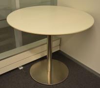 Loungebord i hvit / satinert stål, Ø=70cm, høyde 60 cm, pent brukt