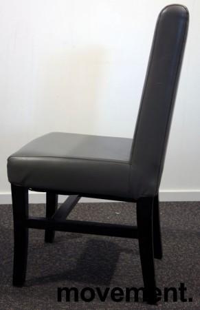 Kaféstol / restaurantstol i grå skinnimitasjon / ben i mahognibeiset tre, pent brukt bilde 3