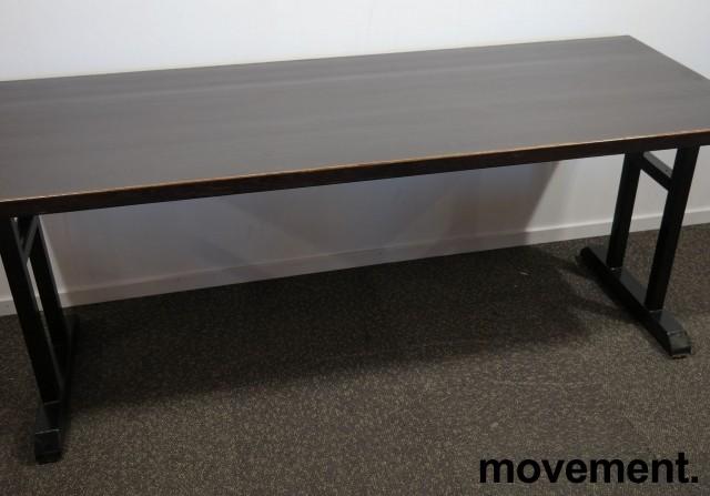 Kafebord med bordplate i brunt / understell i sortlakkert metall, 185x70cm bordplate, 76cm høyde, pent brukt bilde 1
