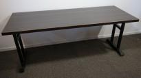 Kafebord med bordplate i brunt / understell i sortlakkert metall, 185x70cm bordplate, 76cm høyde, pent brukt