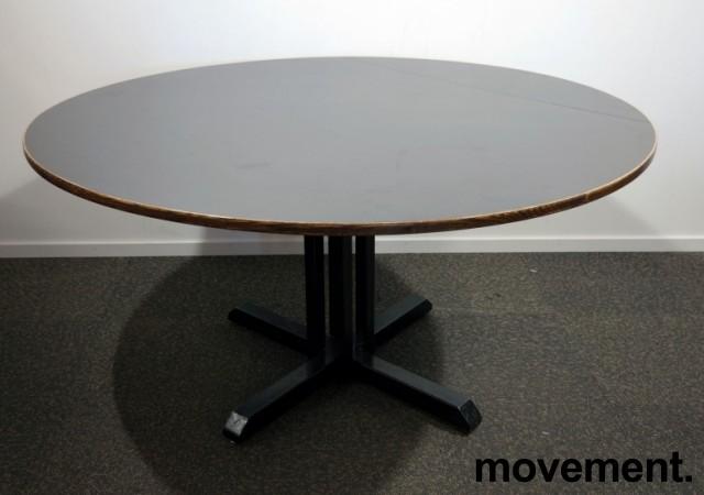 Kafebord med plate i brunt, understell i sortlakkert metall, Ø=150cm H=76cm, pent brukt bilde 1