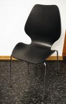 Designstol: ForaForm City i sortlakkert finer, norsk designklassiker i ny produksjon, pent brukt