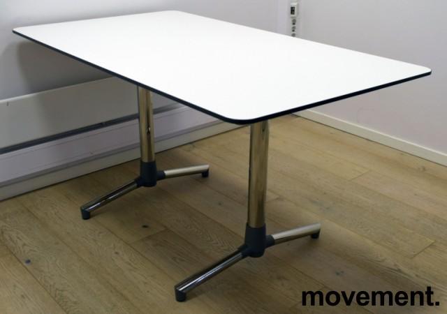 NEXT kompakt møtebord / kantinebord / skrivebord i hvitt, krom understell fra ForaForm, 140x80cm, pent brukt bilde 1