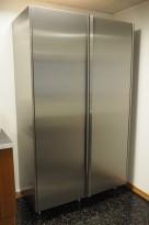 Stort kjøleskap / kjølerom, Polarskapet fra Røros Metall, bredde 124cm, høyde 210cm, pent brukt