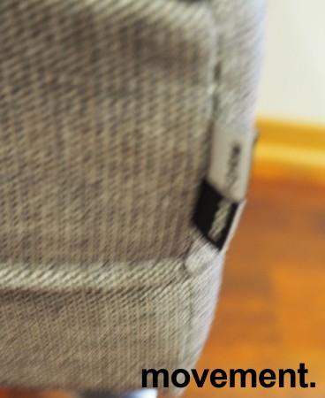2-seter sofa / lounge i grått stoff fra ForaForm, modell Senso, armlene venstre side, bredde 128cm, pent brukt bilde 4