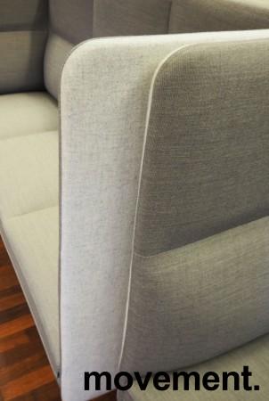 3-seter sofa / lounge i grått stoff fra ForaForm, modell Senso med høy rygg / alkovesofa, bredde 194cm, pent brukt bilde 3